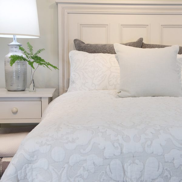 quilts, bedding